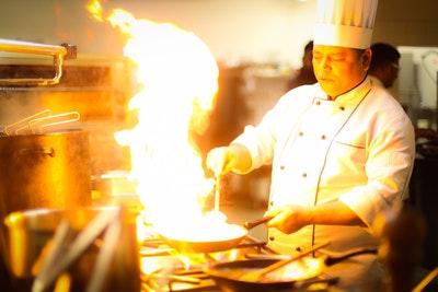 調理師免許は取る意味ある?「調理師免許」が必要なケース、開業に必要なのはこの資格‼︎
